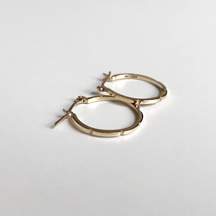 14k Smallture Earring