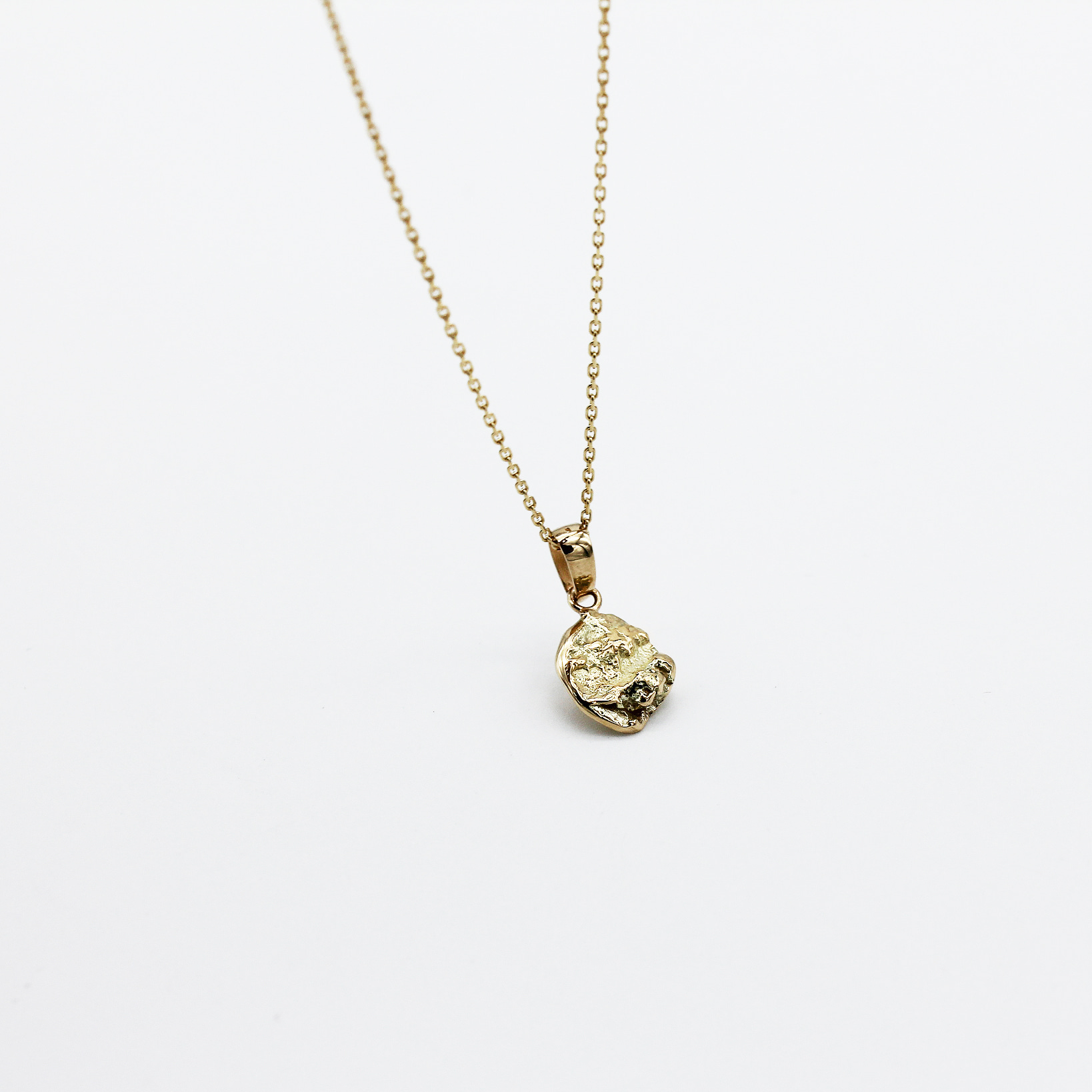 Gold Minimoment Necklace